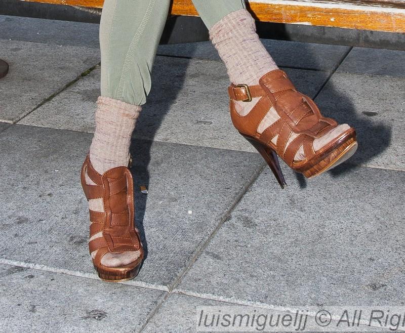 Sandalias marrones: plataforma y tacón marfíl pulido!