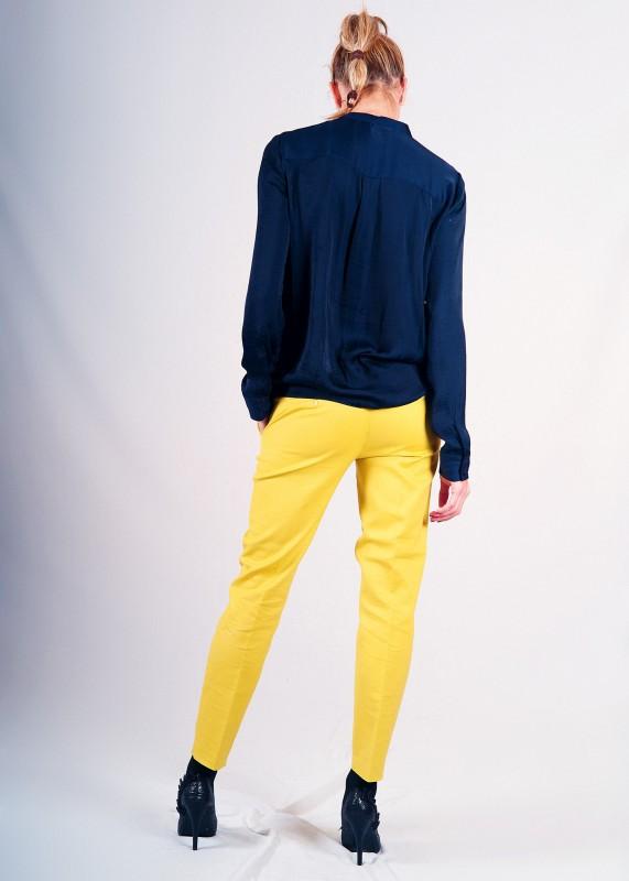 Pantalón amarillo de pinzas!