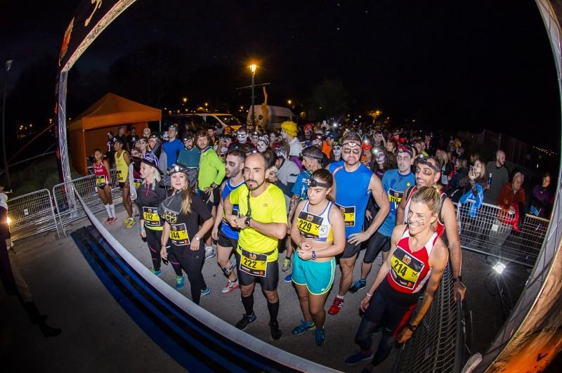 Salida.halloweenrun2015-runners-cesarlloreda-1