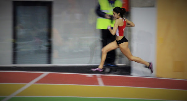 Anita, 400m.l